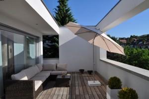 Schrimständer aus Beton auf Terrasse